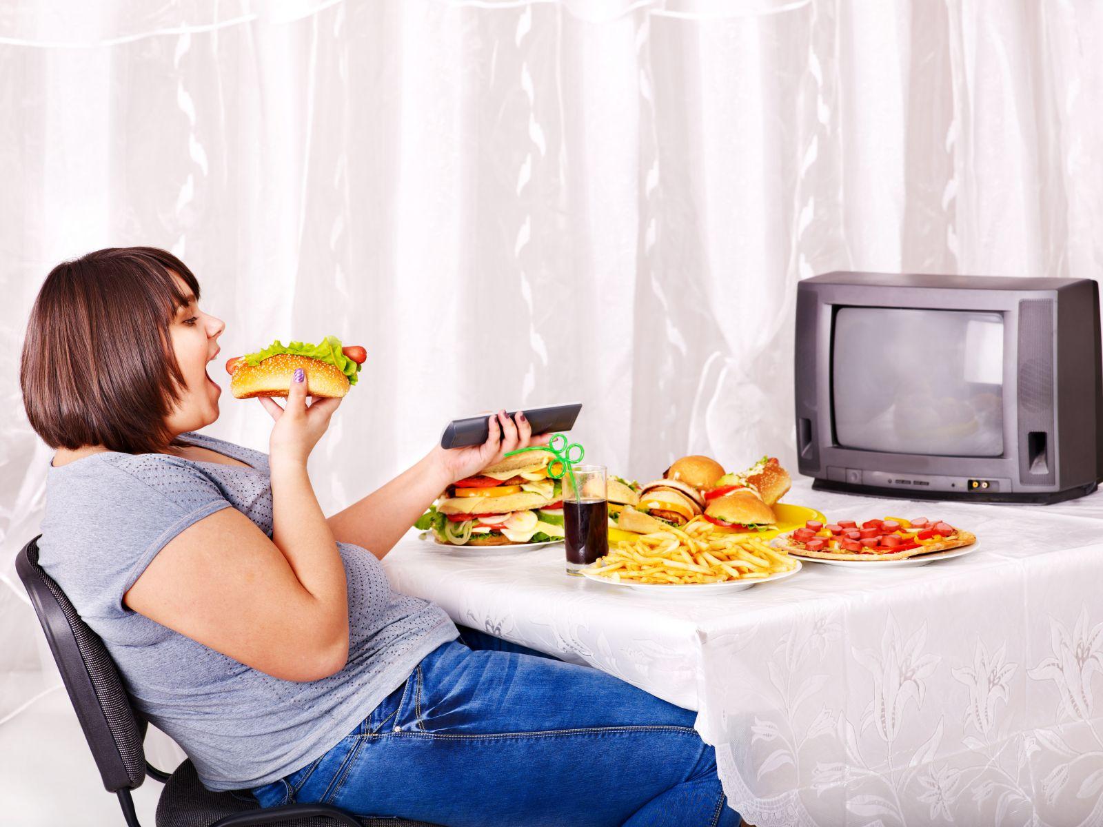 Jak (ne)jíst u televize